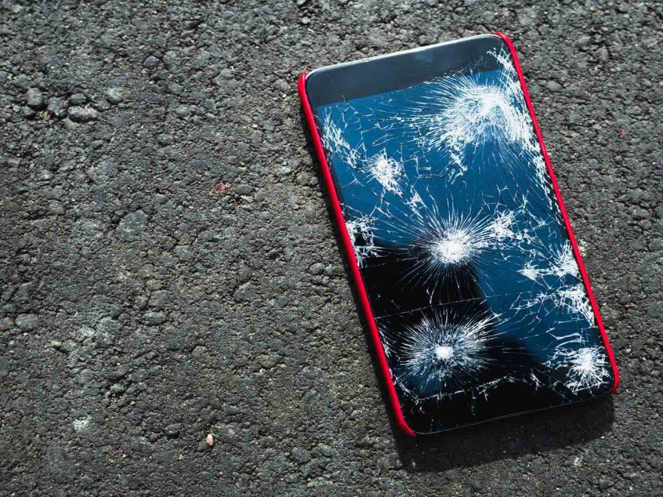 smartphone uszkodzony ekran
